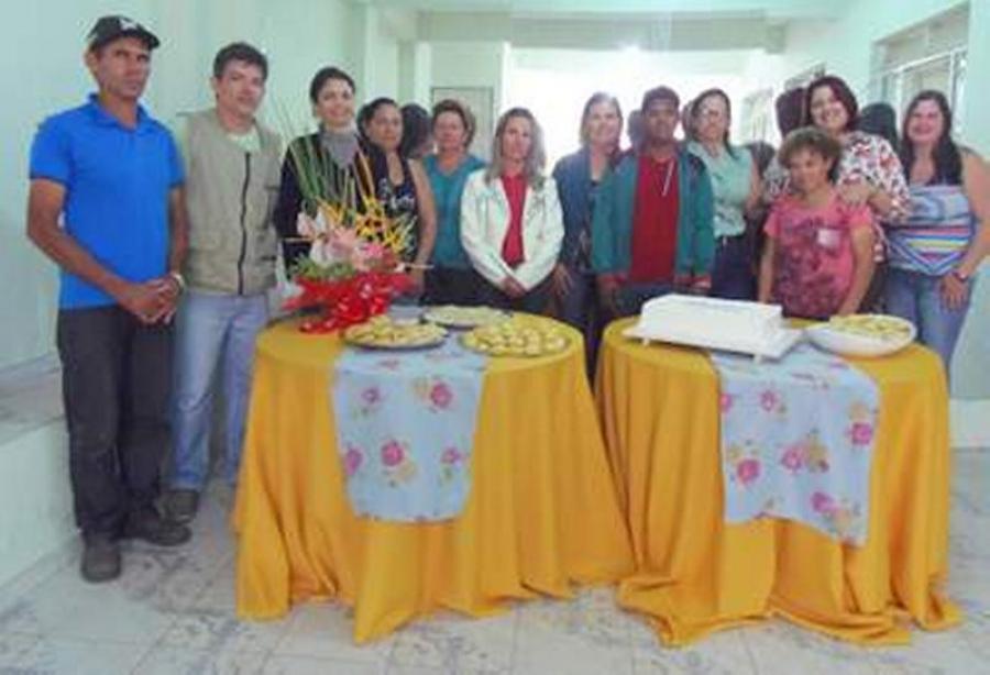 CRAS promove curso sobre plantas ornamentais